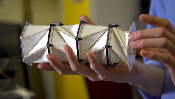 OrigamiAtterraggio.png